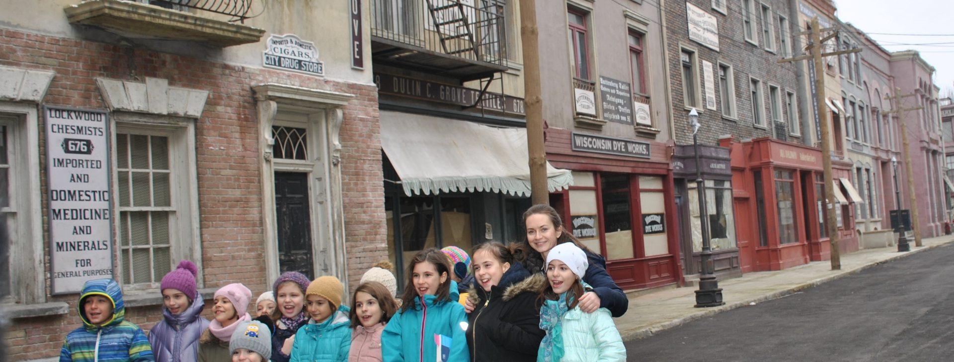 Micile Vedete in vizita la Studiourile Castel Film